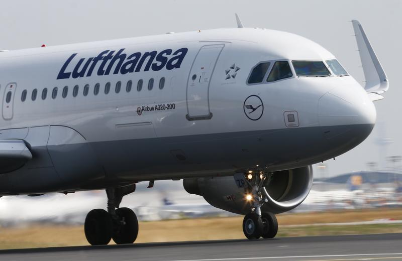 "A Lufthansa Airbus A 320 takes off on runway ""Startbahn West"" at Frankfurt airport"