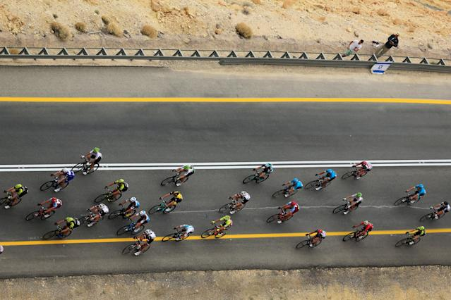 Cycling - the 101st Giro d'Italia cycling race - The 229-km Stage 3 from Beersheba to Eilat, Israel - May 6, 2018 - Riders compete on a main road near Mitzpe Ramon. REUTERS/Amir Cohen