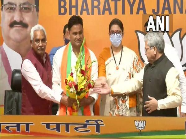 Independent MLA Ram Singh Kaira joined the BJP today. (Photo/ ANI)