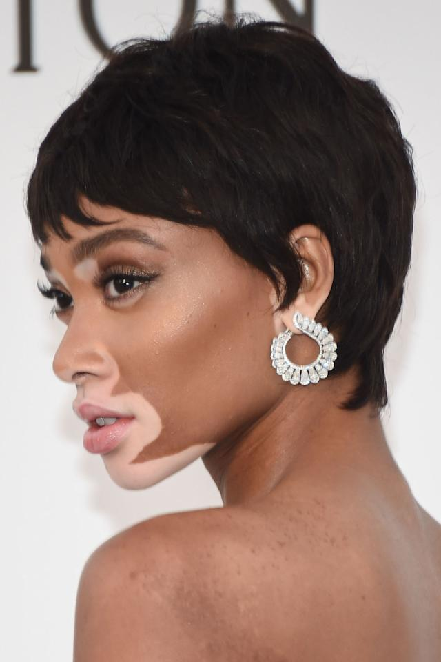 <p>Harlow showed off her new choppy pixie cut at the amfAR Gala, keeping her make-up simple and adding a pair of incredible statement earrings. </p>