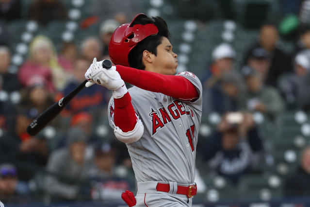 e15afb094eb Ohtani goes 0 for 4 in season debut