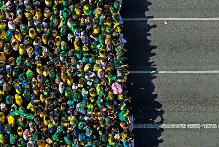 Aerial view of a demonstration to support Brazilian President Jair Bolsonaro in Sao Paulo, Brazil, on the country's independence day September 7, 2021 (AFP/Miguel SCHINCARIOL)
