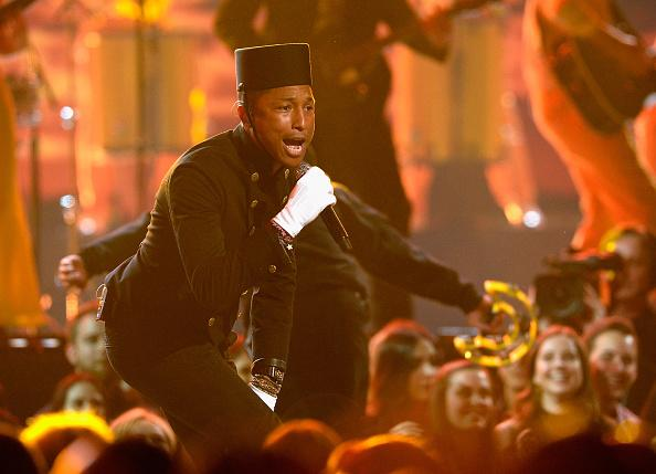 If that's what you wanna do: Pharrell Williams performs