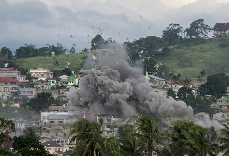 An aerial bombing campaign on Islamist militants' hideout in Marawi, on the southern Philippine island of Mindanao, has left the city shattered
