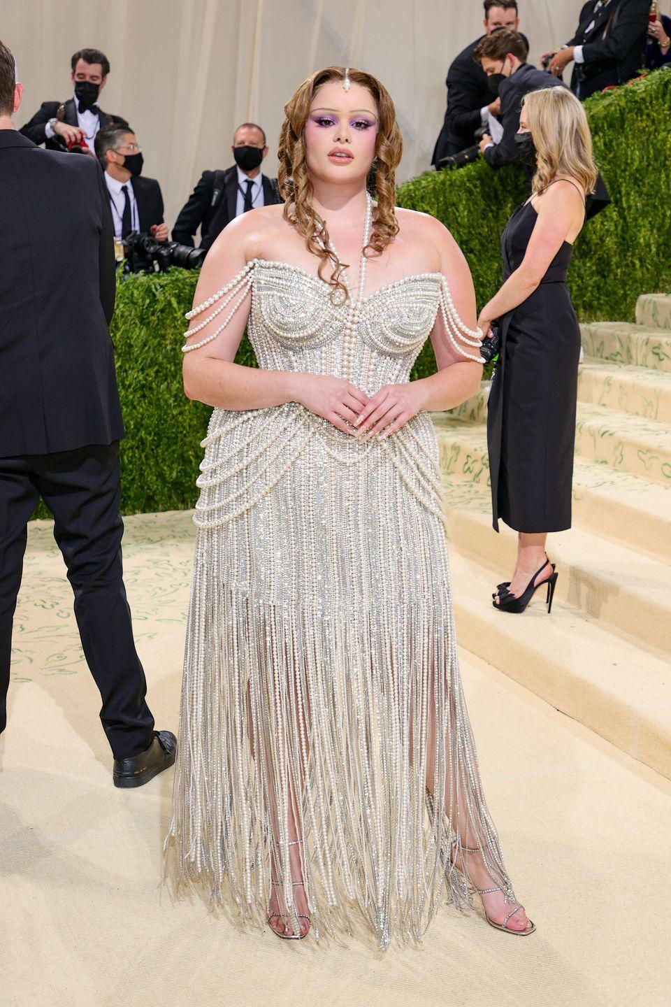 <p>The <em>Euphoria</em> star looked like luxury defined as she positively dripped pearls and sparkle on the red carpet, in a gown that made her seem like some sort of sea goddess or modern-day Aphrodite rising from the waves. </p>