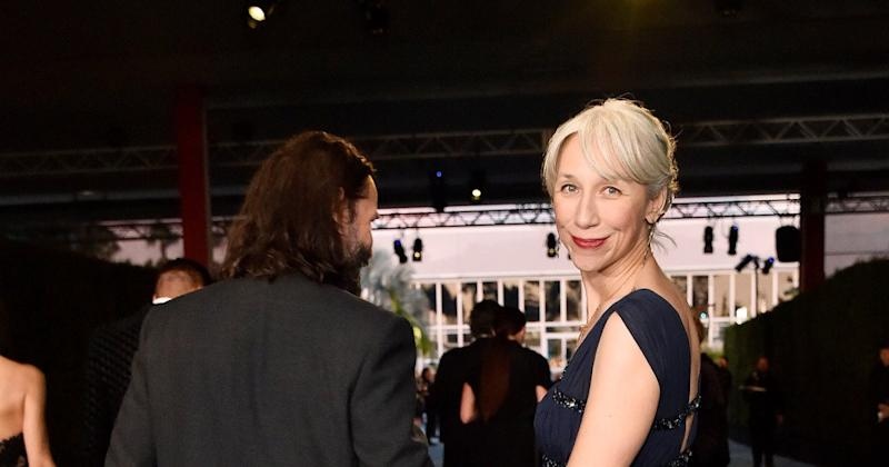 Keanu Reeves girlfriend keeps her grey hair for a reason