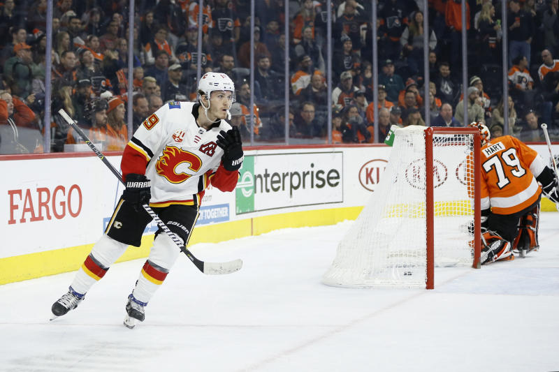 Flames defeat Flyers to end winless streak at six games
