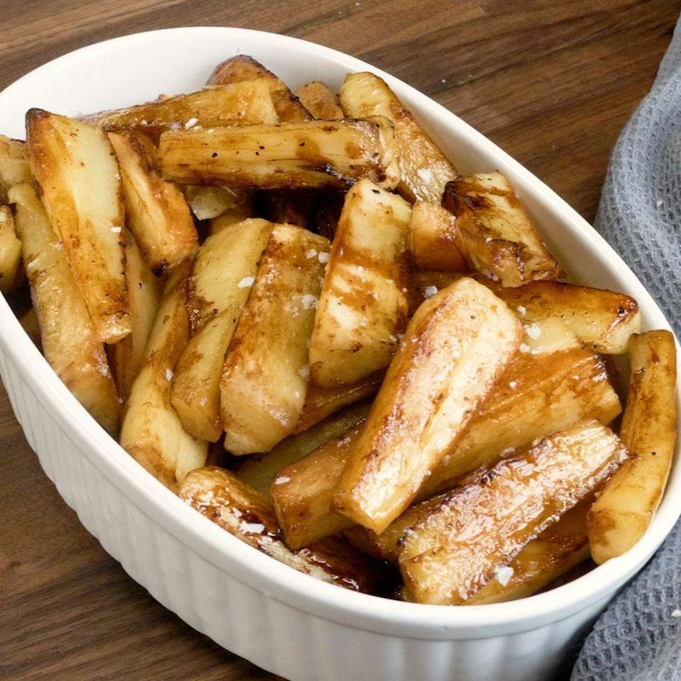 """<p>These honey roast <a href=""""https://www.delish.com/uk/cooking/recipes/a29871209/roast-parsnips-recipe/"""" rel=""""nofollow noopener"""" target=""""_blank"""" data-ylk=""""slk:parsnips"""" class=""""link rapid-noclick-resp"""">parsnips</a> have an umami <a href=""""https://www.delish.com/uk/cooking/recipes/g30762385/marmite-recipes/"""" rel=""""nofollow noopener"""" target=""""_blank"""" data-ylk=""""slk:Marmite"""" class=""""link rapid-noclick-resp"""">Marmite</a> kick. So good even Marmite haters will love it. </p><p>Get the <a href=""""https://www.delish.com/uk/cooking/recipes/a37702817/honey-roast-parsnips/"""" rel=""""nofollow noopener"""" target=""""_blank"""" data-ylk=""""slk:Marmite Honey Roast Parsnips"""" class=""""link rapid-noclick-resp"""">Marmite Honey Roast Parsnips</a> recipe.</p>"""