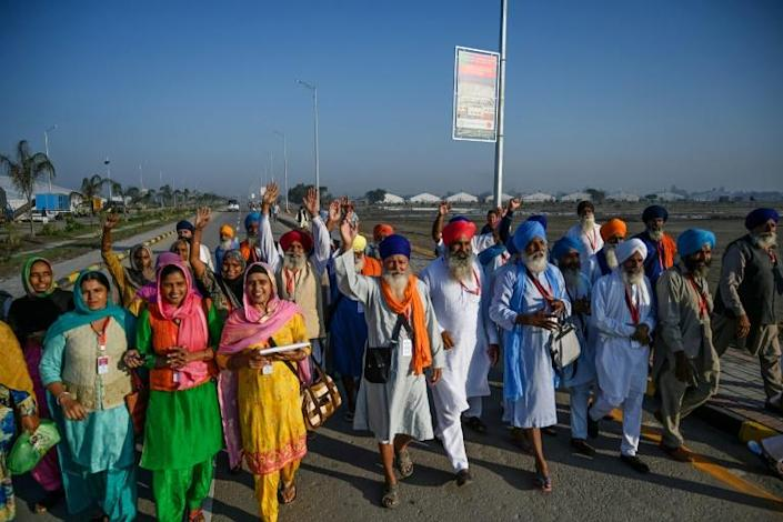 Sikh pilgrims from around the world have been arriving at the Shrine of Baba Guru Nanak Dev (AFP Photo/AAMIR QURESHI)