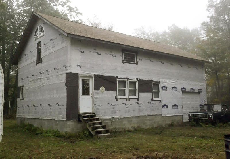 In this photo taken Sept. 30, 2011, an unfinished cabin on Forkston Mountain in Forkston, Pa., where David Grasch, Pat Mahoney and Tony DiMartino died under mysterious circumstances in November 2006 is shown. Pennsylvania State Police said Tuesday March 20, 2012 they now believe that carbon monoxide poisoning likely killed three men inside the mountain cabin in 2006 after new tests were conducted in the wake of a story by The Associated Press that raised questions about suspicions it might have been a triple homicide. (AP Photo/Mark Scolforo)