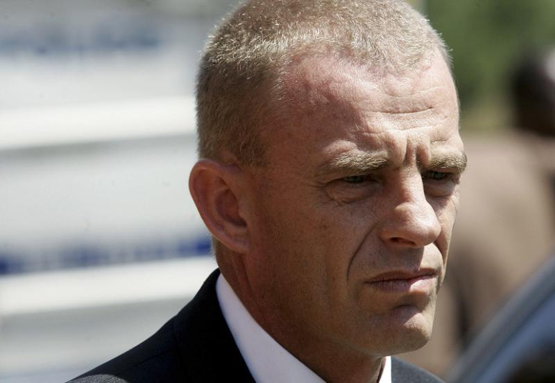 Oscar Pistorius Trial: Who is Gerrie Nel, the Lawyer 'with the Golden Touch' out to Convict Bladerunner?