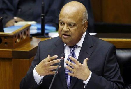 South African finance minister says will not meet police, assets extend slump