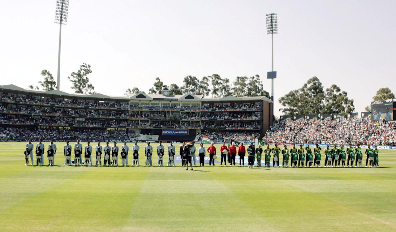 JOHANNESBURG, SOUTH AFRICA - SEPTEMBER 24: (L-R) Team of India line up next to Team of Pakistan prior to the final match of the ICC Twenty20 World Cup between Pakistan and India held at the Wanderers Cricket Stadium on September 24, 2007 in Johannesburg, South Africa. (Photo by Duif du Toit/Gallo Images/Getty Images)