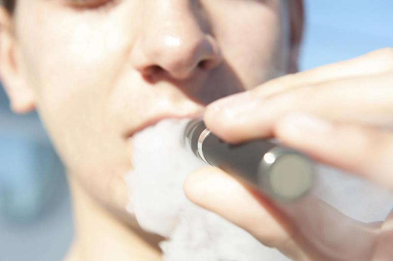Supermarkets cited in crackdown on e-cigarettes