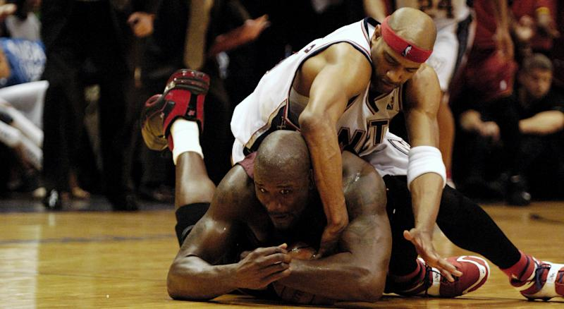 Vince Carter spoke about his attempts to lure Shaquille O'Neal north of the border while playing for the Raptors during an interview with Sports Illustrated recently. (Photo by James Keivom/NY Daily News Archive via Getty Images)