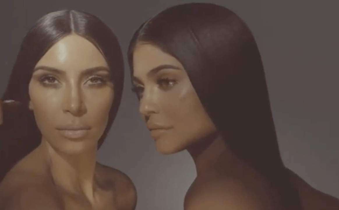 It's unreal how much these sisters look like #TwinGoals in this video still.