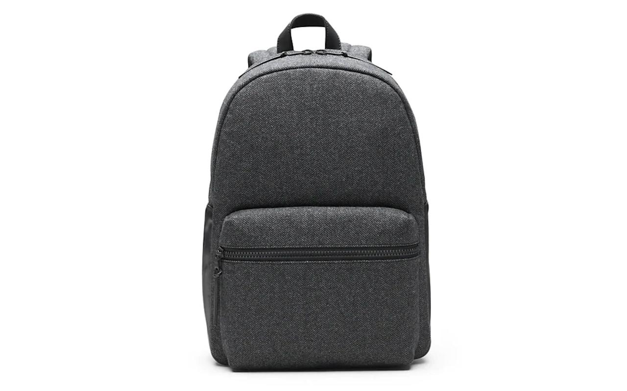 """<p>A backpack is the greatest gift for any traveler and this one in particular is sleek, stylish and has pockets for everything he needs on the go.</p> <p>To buy: <a href=""""http://gap.igs4ds.net/c/249354/383276/5554?subId1=TL%2CGiftsforMenWhoLovetoTravel%2Cwarrenj%2CGIF%2CGAL%2C455939%2C201911%2CI&u=https%3A%2F%2Fbananarepublic.gap.com%2Fbrowse%2Fproduct.do%3Fpid%3D524768002%26pcid%3D999"""" target=""""_blank"""">bananarepublic.com</a>, $129</p>"""