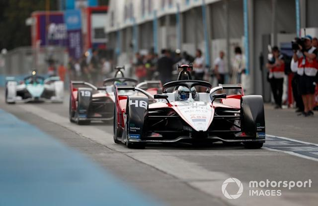 "Edoardo Mortara, Venturi, EQ Silver Arrow 01, Felipe Massa, Venturi, EQ Silver Arrow 01 <span class=""copyright"">Sam Bloxham / Motorsport Images</span>"