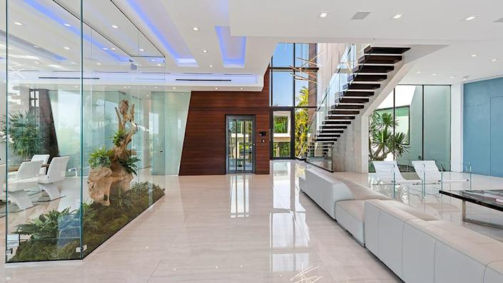 The foyer - Credit: Photo: Courtesy of ONE Sotheby's International Realty