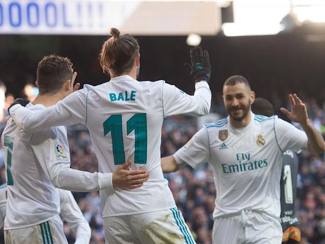 Cristiano Ronaldo scores twice but leaves last-minute penalty to Karim Benzema as Real Madrid rout Alaves