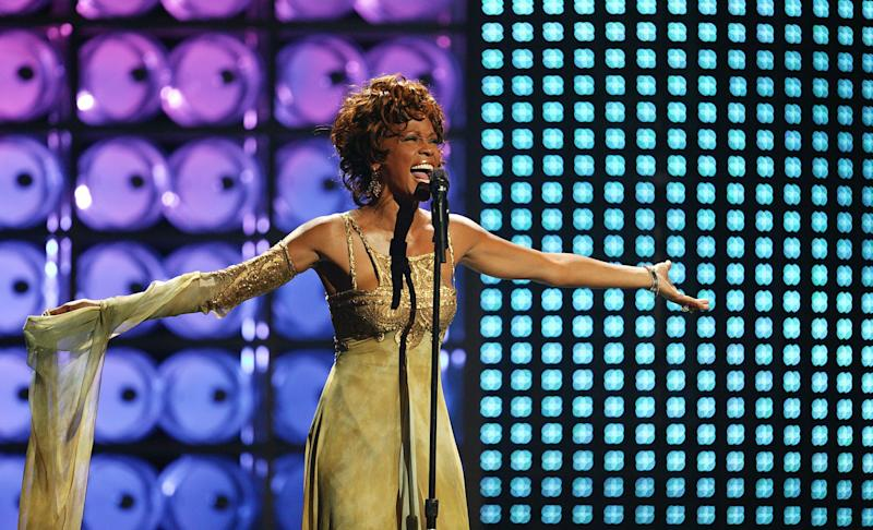 LAS VEGAS, NEVADA : SEPTEMBER 15: Whitney Houston performs on stage at the 2004 World Music Awards at the Thomas & Mack Centre on September 15, 2004 in Las Vegas. (Photo by Jo Hale/Getty Images)