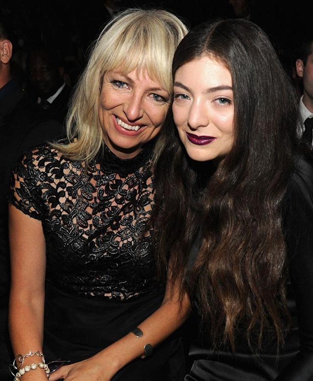 Lorde and her mother, Sonja, at the Grammys. (Photo: Kevin Mazur/WireImage)