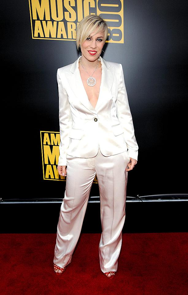 """Natasha Bedingfield's ill-fitting white satin suit and butchered coif joined forces to create quite the catastrophe at the American Music Awards. Kevin Mazur/<a href=""""http://www.wireimage.com"""" target=""""new"""">WireImage.com</a> - November 23, 2008"""