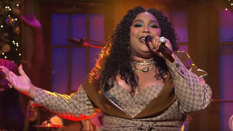 Lizzo Slays 'Saturday Night Live' Musical Debut With Festive Performances of 'Truth Hurts' and 'Good As Hell'