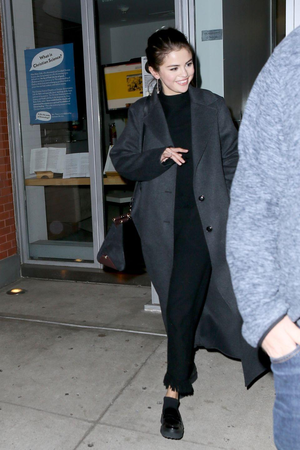 <p>Leaving her NY apartment.</p>