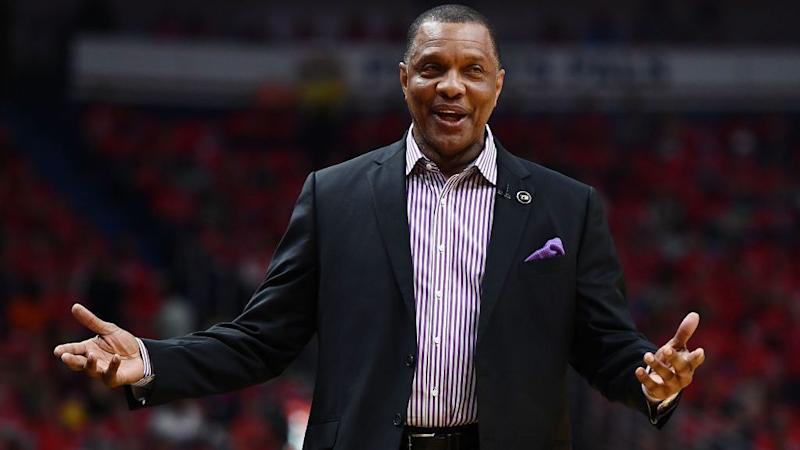 Pelicans pick up 2018-19 option of head coach Alvin Gentry