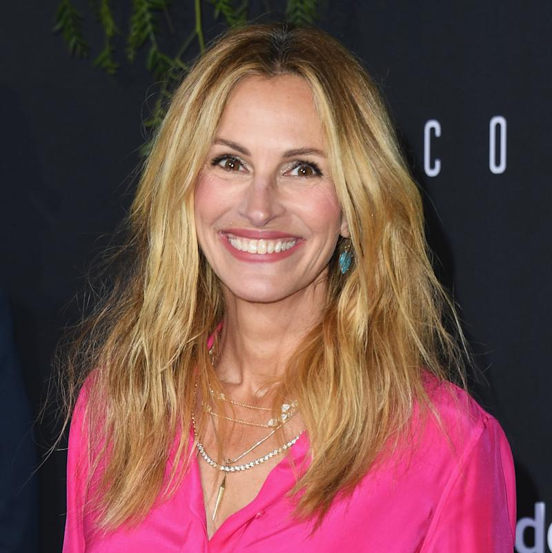 Julia Roberts Now Has Rose Gold Hair And Were Obsessed