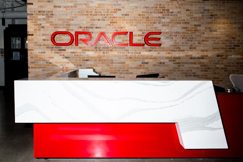 Oracle Revives Charges That PentagonBid Was Tainted by Amazon Conflicts