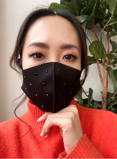 Melissa Leong in a face mask