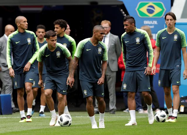 Soccer Football - World Cup - Brazil Training - Saint Petersburg Stadium, Saint Petersburg, Russia - June 21, 2018 Brazil's Philippe Coutinho, Douglas Costa and Paulinho during training REUTERS/Henry Romero