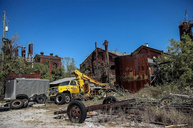 <p>The impressively derelict site captivates the eye due to its unusual state, even hosting exposed brickwork from a boiler explosion never fixed. (Photo: Abandoned Southeast/Caters News) </p>