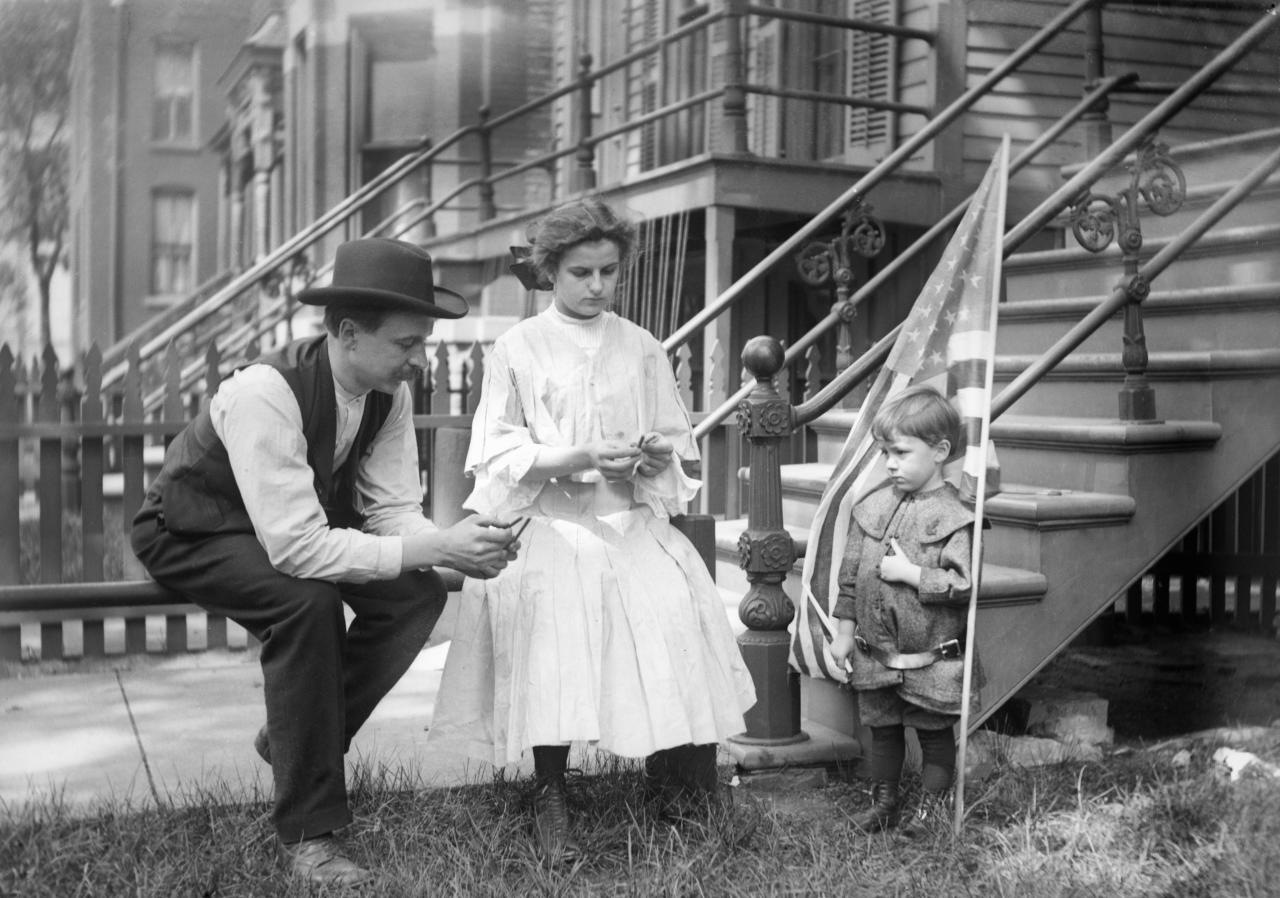 Family in Chicago celebrate the Fourth of July circa 1905