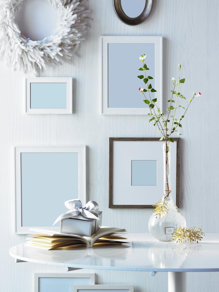 <p>Say goodbye to stubborn sticker marks on glass and plastic, like picture frames.  </p>