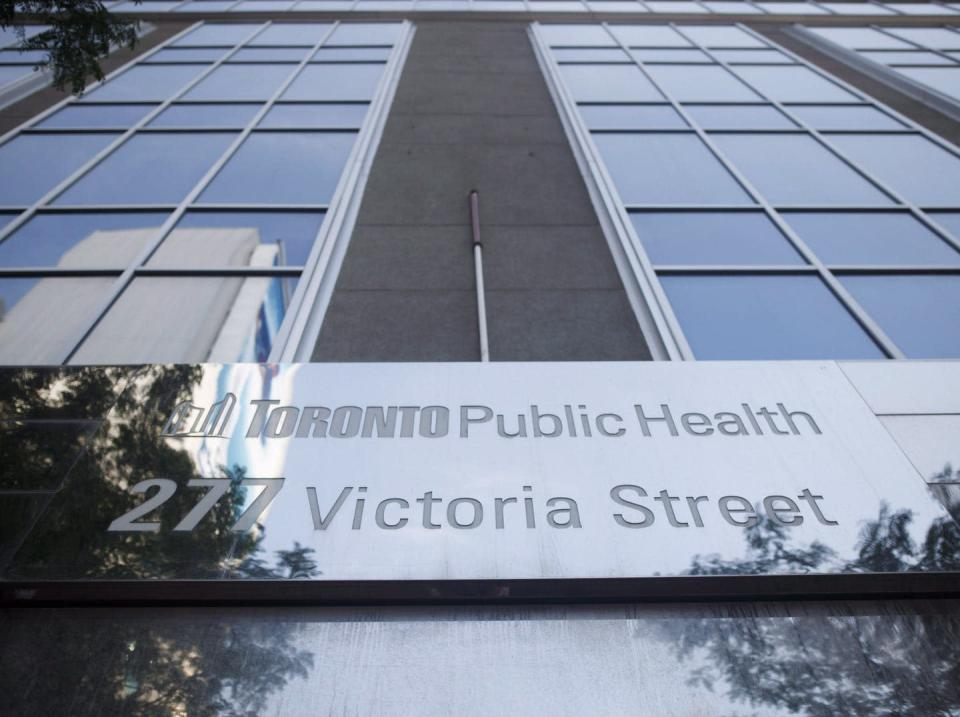 """<span class=""""caption"""">Toronto Public Health's tool kit for COVID-19 prevention in congregate living settings contains few references to ventilation, air filtration and other measures to prevent airborne transmission.</span> <span class=""""attribution""""><span class=""""source"""">THE CANADIAN PRESS/Cole Burston </span></span>"""
