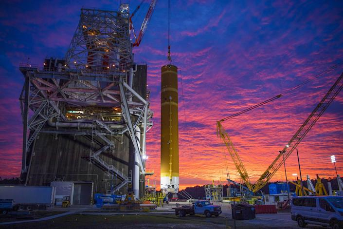 nasa space launch system sls core stage green run stennis january 2020
