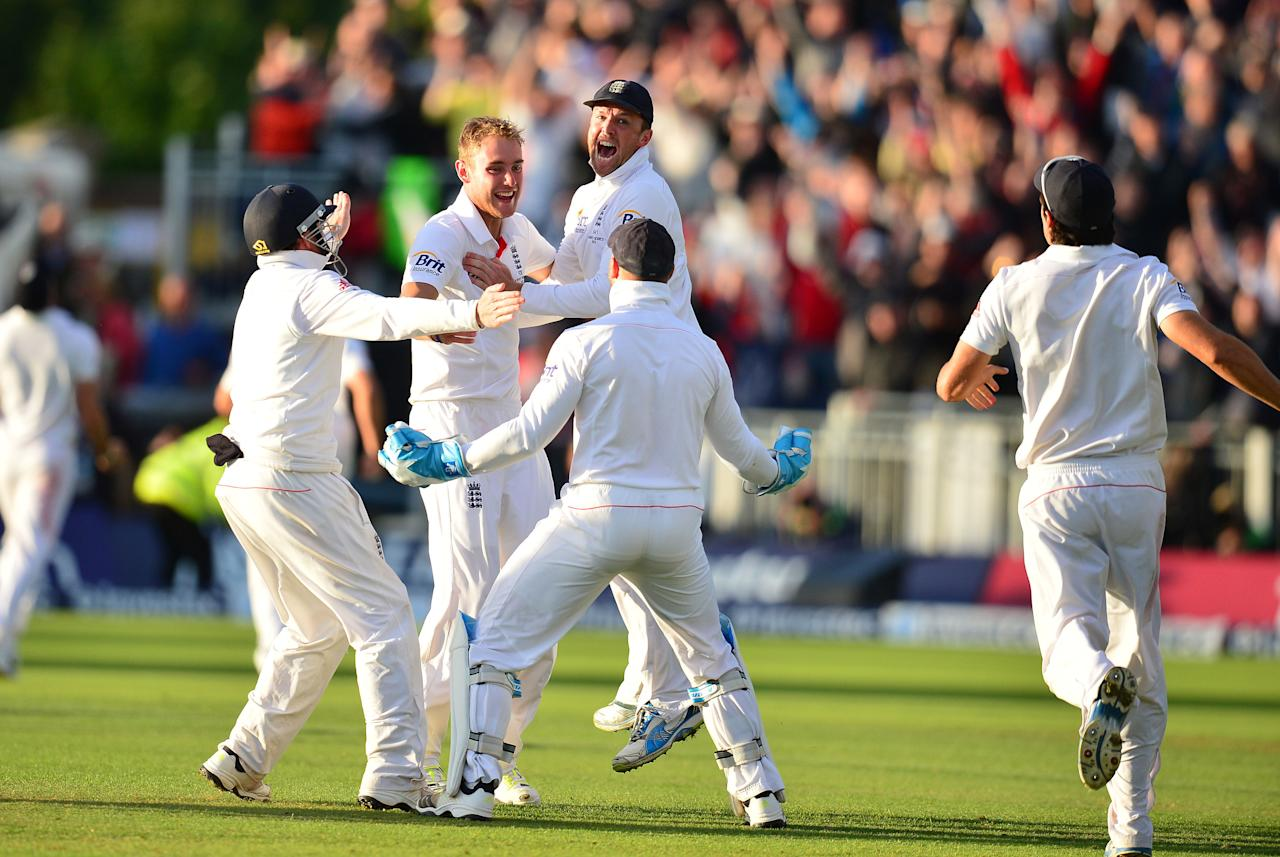 England Stuart Broad and Graeme Swann celebrate victory over Australia during day four of the Fourth Investec Ashes test match at the Emirates Durham ICG, Durham.