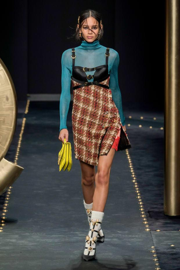 <p>A look from the Versace Fall 2019 collection. Photo: Imaxtree</p>