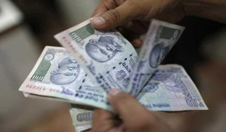 Rupee Skids For 4th Day; Settles 6 Paise Down At 69.04 Vs USD
