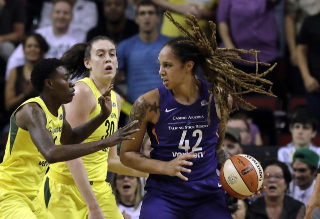 """<a class=""""link rapid-noclick-resp"""" href=""""/wnba/teams/pho"""" data-ylk=""""slk:Phoenix Mercury"""">Phoenix Mercury</a>'s <a class=""""link rapid-noclick-resp"""" href=""""/wnba/players/5057/"""" data-ylk=""""slk:Brittney Griner"""">Brittney Griner</a> joined WNBA players in speaking out about the new G League contracts. (AP Photo/Elaine Thompson)"""
