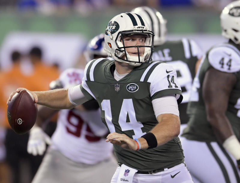 Sam Darnold is the unquestioned future of the Jets, and an addition like Le'Veon Bell could exponentially help his development. (AP)