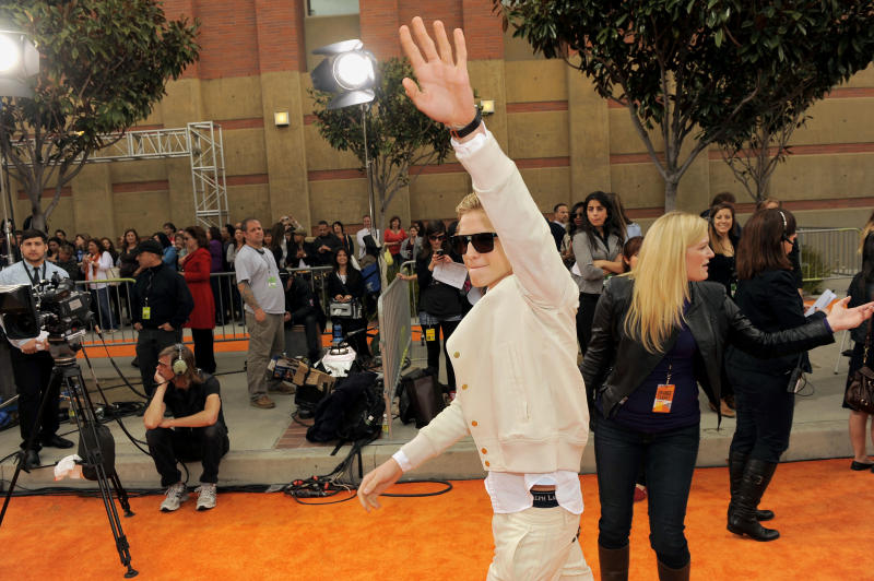 Cody Simpson arrives at Nickelodeon's 25th Annual Kids' Choice Awards on Saturday, March 31, 2012 in Los Angeles. (AP Photo/Chris Pizzello)