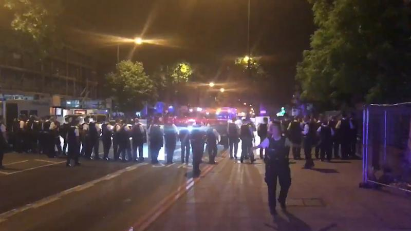 Police in riot gear were deployed to Stamford Hill in north London in the early hours of June 21, following reports of clashes between youths armed with knives and machetes. According to reports, the incident occurred when authorities tried to disperse a large group of people believed to be coming from a nearby'illegal rave'.