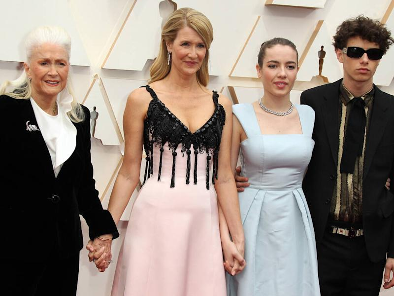 Laura Dern reduces mother to tears with speech at 2020 Oscars