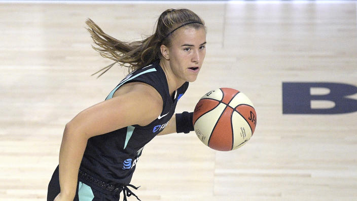 """<a class=""""link rapid-noclick-resp"""" href=""""/wnba/players/6358/"""" data-ylk=""""slk:Sabrina Ionescu"""">Sabrina Ionescu</a> needed help off the court after rolling her ankle Friday. (AP Photo/Phelan M. Ebenhack)"""