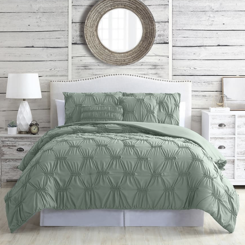 "<p>For shoppers looking for a good deal, the only thing better than a <a href=""https://www.housebeautiful.com/shopping/best-stores/g35154173/brooklinen-surprise-sale-january-2021/"" rel=""nofollow noopener"" target=""_blank"" data-ylk=""slk:sale"" class=""link rapid-noclick-resp"">sale</a> is a sale on sale. Well, we've got good news if you want to freshen up your home without breaking the bank.<a href=""https://www.housebeautiful.com/shopping/g33392187/nordstrom-rack-sale-towels-bedding-pillows/"" rel=""nofollow noopener"" target=""_blank"" data-ylk=""slk:Nordstrom Rack"" class=""link rapid-noclick-resp""> Nordstrom Rack</a> is having a major home sale right now. For a limited time, you can take an extra 25 percent off select bedding, bath, and home organization products that are already marked down. From cozy bedding to sleek storage solutions, you can save big on thousands of products. Shop the full sale at <a href=""https://go.redirectingat.com?id=74968X1596630&url=https%3A%2F%2Fwww.nordstromrack.com%2Fc%2Fhome-sale&sref=https%3A%2F%2Fwww.housebeautiful.com%2Fshopping%2Fbest-stores%2Fg35192444%2Fnordstrom-rack-home-sale-extra-25-percent-off-markdowns%2F"" rel=""nofollow noopener"" target=""_blank"" data-ylk=""slk:Nordstrom Rack"" class=""link rapid-noclick-resp"">Nordstrom Rack</a> through Sunday, and check out our favorites ahead. </p>"