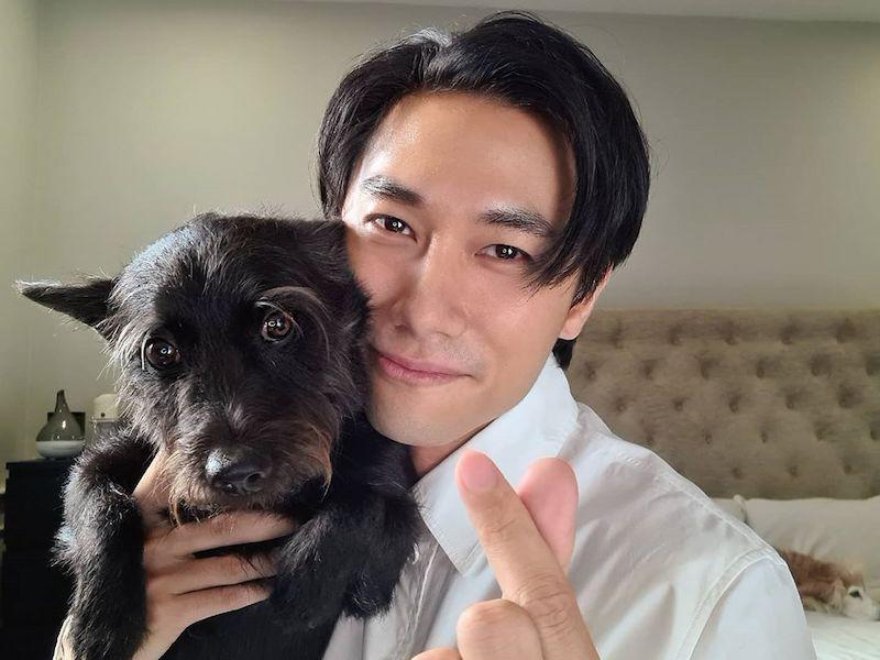 Tan is known for being one of the Eight Dukes of Caldecott Hill, a term referring to young, up-and-coming actors from Mediacorp in the 2010s. — Picture from Instagram/thedesmondtan